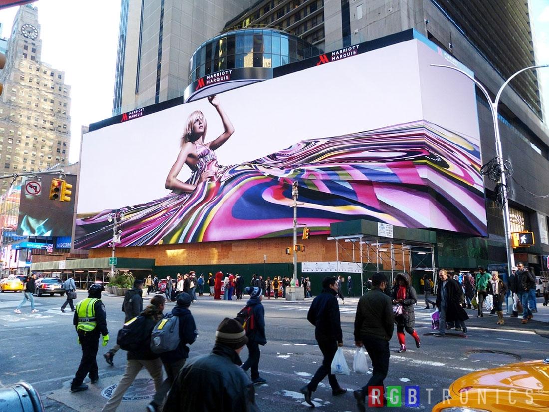 Pantalla gigante LED en edificio